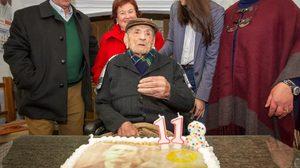 คุณปู่ที่อายุมากที่สุดในโลกวัย 113 ปี เผย เคล็ดลับอายุยืน ต้องดื่มไวน์ทุกวัน