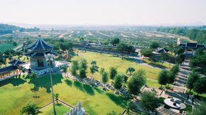 อุทยานสามก๊ก กลิ่นอายสวนเมืองจีน ที่ พัทยา
