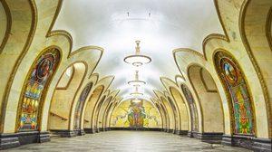 หาชมได้ยาก! ความอลังการ งานตกแต่งภายใน ของ สถานีรถไฟใต้ดิน รัสเซีย หรูเลอค่า!