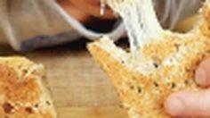 เมนูเด็กหอขนมปังชีสทำง่ายกินคลีนใช้ชีสดีเตารีดก็ทำอาหารได้ (มีคลิป)