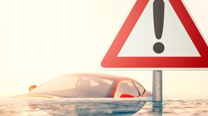 ข้อควรปฏิบัติ เมื่อรถดับขณะขับลุยน้ำ