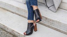 เคล็ดลับ เลือกรองเท้าให้เหมาะกับรูปเท้า จาก Shoe Specialist ผู้เชี่ยวชาญด้านรองเท้า
