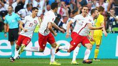 ลูกเดียวก็เกินพอ! โปแลนด์เฉือนยูเครน 1-0 เข้ารอบต่อไป ศึกยูโร 2016 กลุ่มซี