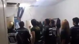เผยคลิปนาทีตำรวจ ล้อมจับหนุ่มไทย บุกเข้าห้องสาวเวียดนามหวังข่มขืน