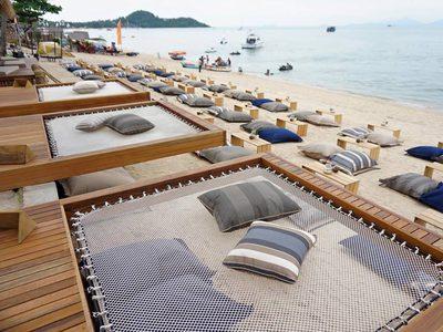 CoCo Tam's บีชบาร์สุดฮอต นั่งชิลริมทะเล ฟังเสียงคลื่น บนเกาะสมุย