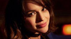 Norah Jones กลับมาบรรเลงเปียโนอีกครั้ง ด้วยเพลงใหม่ Carry On