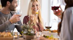 หยุด!! 9 สิ่งไม่ควรทำ หลังทานอาหารเสร็จ เสี่ยงทำลายสุขภาพแบบไม่รู้ตัว