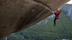 นักปีนเขา วัย 31 ปี พิชิตยอดเขาสูง 3,000 ฟุต ด้วยมือเปล่า และไม่พึ่งอุปกรณ์ความปลอดภัยเลย