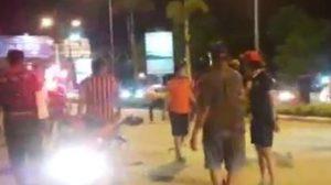 ปะทะเดือด! แฟนบอลเมืองทอง VS ท่าเรือตีกัน ในสนามเมืองทอง เจ็บอื้อ