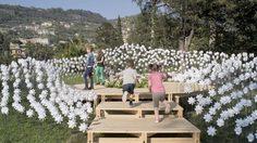 ล้ำสุดในซอย! แนวคิดใหม่ แต่งสวน ด้วย กังหันดอกไม้ เคลื่อนไหวไม่สิ้นสุด
