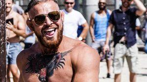 อย่างเนียน!! แฝดคนล่ะฝาของ Conor McGregor เล่นเอาแฟนคลับขอถ่ายรูปกันยกใหญ่