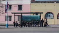 เคยเห็นกันมั้ย!! อาร์ตเวิร์ค ป้ายรถเมล์ใน เกาหลีเหนือ ที่หาดูได้ยาก