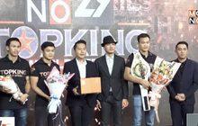 ผู้บริหาร MONO29 ร่วมแสดงความยินดีทีมงานท็อปคิงส์