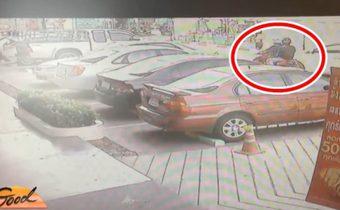 2 คนร้ายบุกขโมยรถจยย.หน้าห้างช่วงกลางวัน