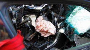 เร่าร้อนจนตาย ชายหญิงถูกพบเป็นศพเปลือยกาย หลังเล่นเสียวขณะขับรถ