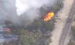 เกิดไฟป่าขึ้นใกล้กับทางด่วนในสหรัฐฯ