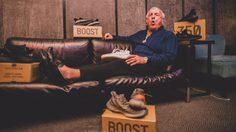 Kanye West ส่งรองเท้า YEEZY Boost V2 ทุกสีไปให้ Ric Flair ตำนานนักมวยปล้ำใช้ฟรีๆ