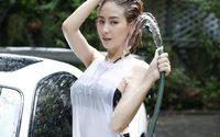 มาดูลีลาการล้างรถของ แตงกวา สาว RUSH ที่ทำให้หนุ่มผู้โชคดีต้องตาลุกวาว