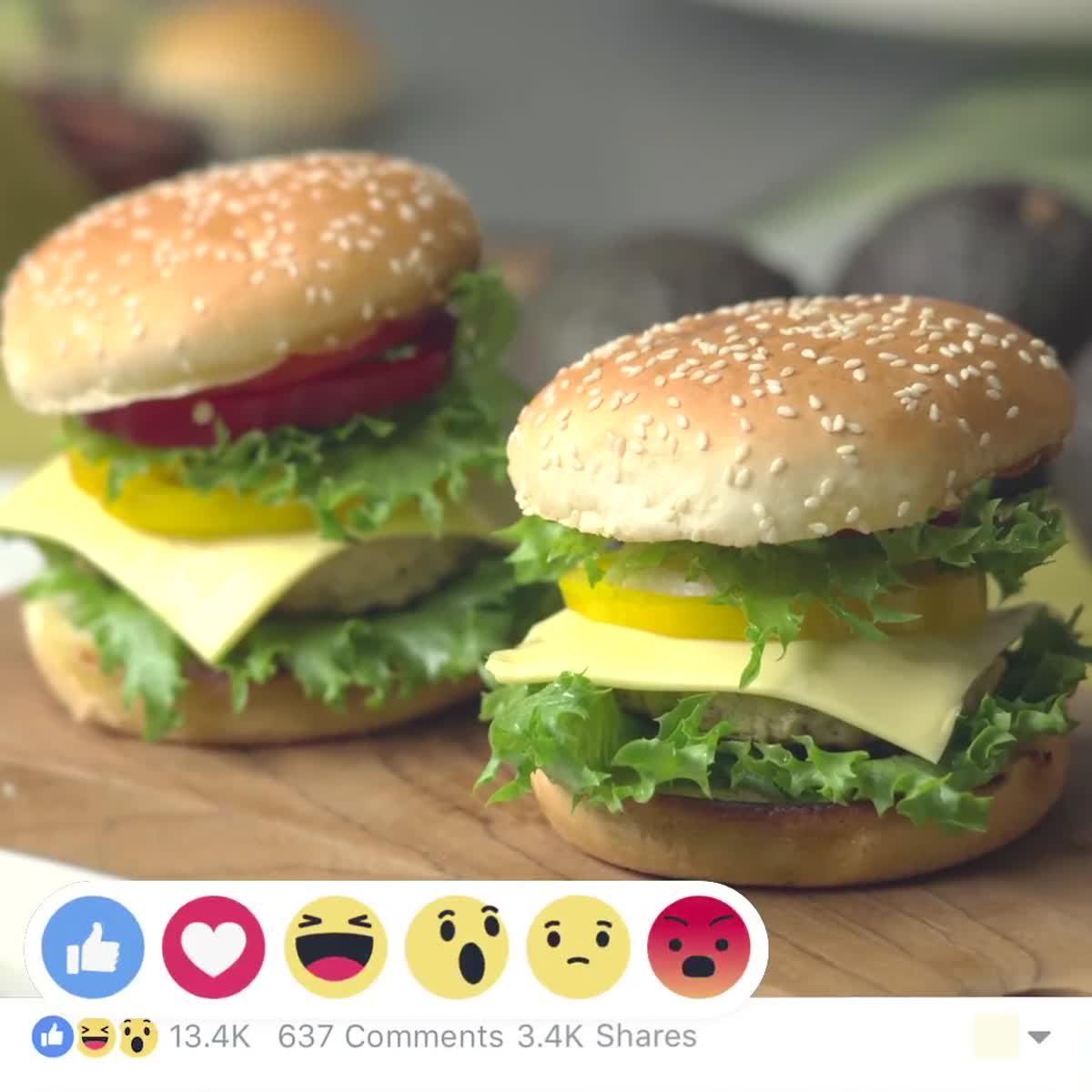 """วิธีทำ อะโวคาโดชีสเบอร์เกอร์  กินข้าวกัน by """"แม่อ้อ"""""""