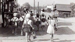 หาดูยาก ภาพขาว-ดำ ชีวิตประจำวันของเด็กญี่ปุ่นเมื่อ 60 ปีก่อน