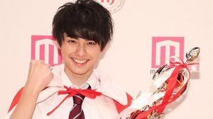 """""""เคียวยะ"""" นักเรียนม.ปลายจากญี่ปุ่น คว้ารางวัลหนุ่มหล่อที่สุดแห่งปี 2016"""