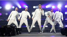 นางงามยังต้องหลบ! Miss Universe ระหกระเหินจัดงานเล็กๆ เพราะ Backstreet Boys!!