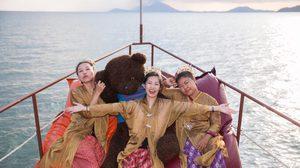 เที่ยวไทยสุดคลาสสิค! ล่องเรือโบราณ ชมเมืองระนอง แต่งตัวยุคเหมืองแร่