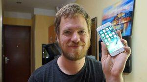 หนุ่มฝรั่งไอเดียเด็ด!! ประกอบ iPhone เองจากชิ้นส่วนในตลาดจีน