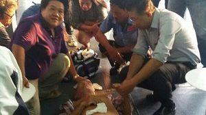 ชื่นชม! ผอ.โรงพยาบาลเกาะสมุย ช่วยชีวิตผู้ป่วยลมชักกลางทะเล