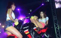 สาวล้างรถ BRIC Superbike Fest 2015 เซ็กซี่ดับอากาศร้อน