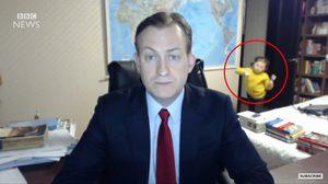 ชายคนนี้กำลังให้สัมภาษณ์กับ BBC News แต่ดันมีเรื่องแบบนี้เกิดขึ้น!