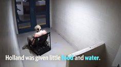 คลิปนักโทษชาย ถูกจับแก้ผ้ามัดกับเก้าอี้ จนเป็นเหตุทำให้เสียชีวิต