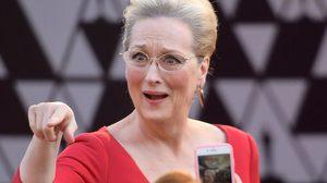 เมอรีล สตรีป ทำท่าป้องปากในงานออสการ์อีกครั้ง อัปเดตมีมใหม่จากปีที่แล้ว