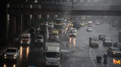 กรมอุตุฯ เผย ไทยตอนบนมีฝนลดลง แต่ยังคงมีฝนตกหนักบางแห่ง