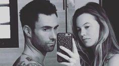 เมียท้อง-ผมก็ท้อง! อดัม Maroon 5 อวดภาพท้องโย้คู่เมีย