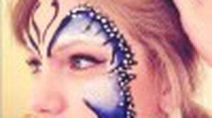Taylor Swift กับของเล่นชิ้นใหม่ ศิลปะบนใบหน้า แบบอาร์ตๆ