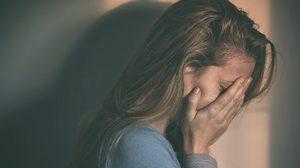4 ข้ออ้างหยุดงาน อย่างไรดี ? ในยามที่กำลังชอกช้ำใจ ความรักสะบั้น