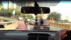 มาเลเซียติดกล้องตรวจจับ พร้อมสั่งปรับคนเล่นมือถือขณะขับรถ