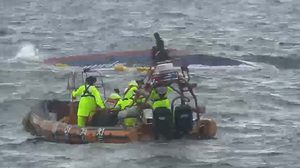 เรือประมงเกาหลีใต้อัปปาง มีผู้เสียชีวิต 8 ศพ