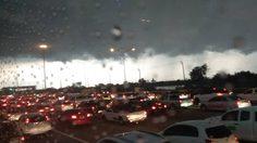 ฝนถล่มกรุงฯ หลายพื้นที่ตกหนัก การจราจรหนาแน่น