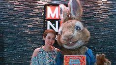 น่ารักเวอร์!! บอสหญิงแห่งโซนี่ พิคเจอร์ส ควงกระต่ายปีเตอร์ อวดความแบ๊วก่อนหนังเข้าโรง!