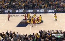 """""""คิงเจมส์"""" นำแคฟส์ตีเสมอเพเซอร์ส 2-2 เพลย์ออฟ NBA"""
