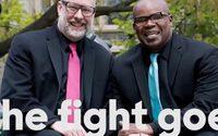 ฮิลลารี คลินตัน ปล่อยคลิปวิดีโอภาพคู่รักเพศเดียวกัน 10 คู่ เพื่อสนับสนุนสิทธิมนุษยชนของ LGBT
