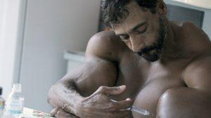 นั่นกล้ามหรือลูกโบว์ลิ่ง หนุ่มก่อสร้างจากบราซิล กล้ามแขนใหญ่ 23 นิ้ว