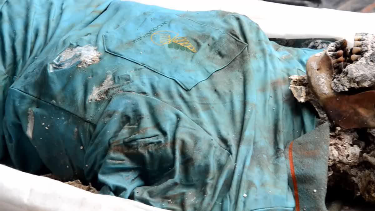 พบศพชายถูกฆ่าโบกปูน คาดเสียชีวิตไม่น้อยกว่า 10 วัน ตร.เร่งตามหาญาติ