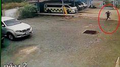 พ่อค้ายาบ้า หลบหนีตำรวจระหว่างรอทำแผล หลังประสบอุบัติเหตุขณะขนยา