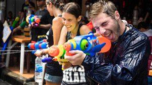 10 วิธีเล่นน้ำสงกรานต์แบบปลอดภัย ฉบับวัยรุ่น