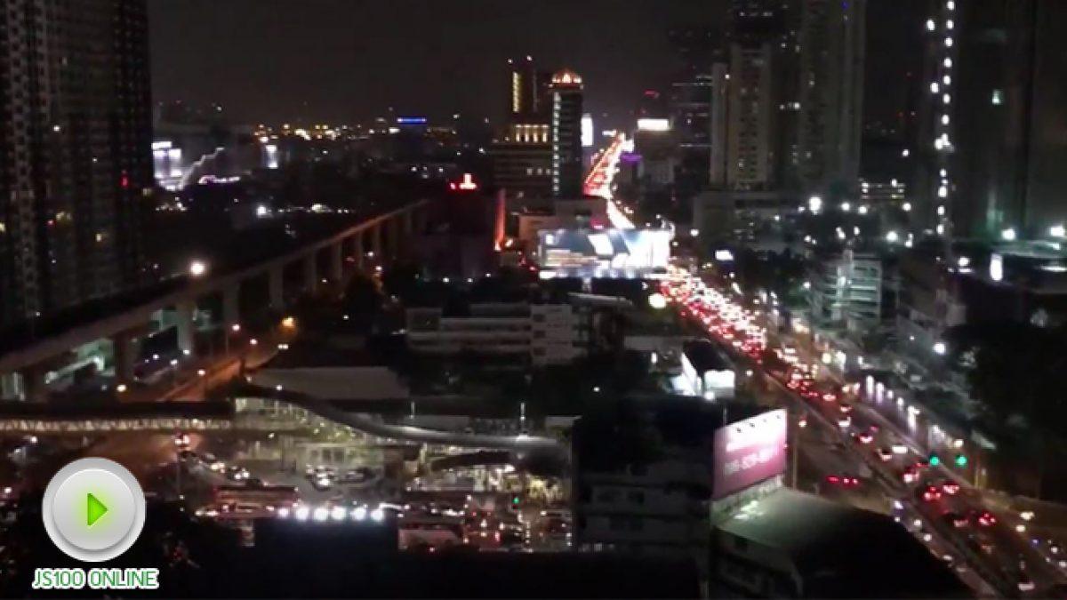 เพชรบุรีตัดใหม่ การจราจรติดขัดหนาแน่น ! (03-11-2560)