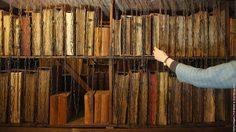 หาดูยาก! ย้อนอดีตห้องสมุดล่ามโซ่หนังสือ
