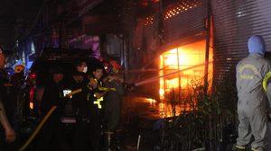 ไฟไหม้ร้านอะไหล่ยนต์ภายในตลาดไท เสียหายกว่า 50 ล้านบาท